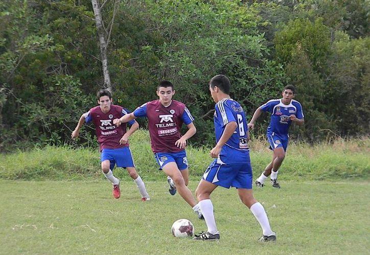 Ejidatarios se encuentra con 11 puntos, mientras que Pioneros aparece atrás con 9 unidades, en caso de que los cancunenses ganen, podrían desplazar a bonfil. (Ángel Mazariego/SIPSE)