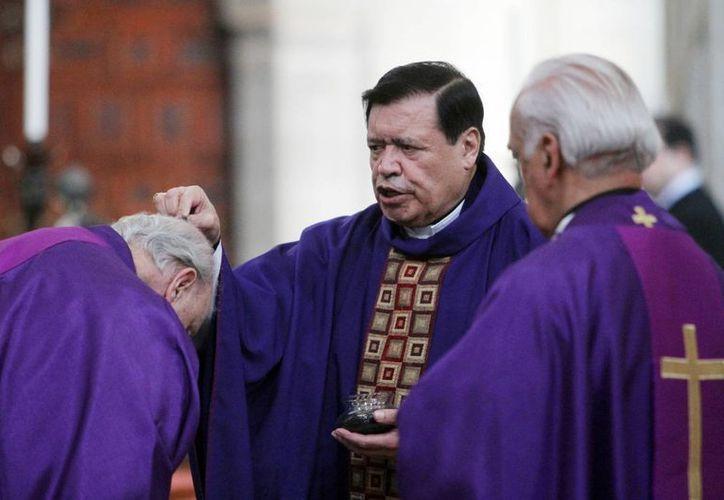 """El cardenal Norberto Rivera Carrera encabezó la homilía por el """"Miércoles de Ceniza"""" con el que se marca el inicio de la Cuaresma. (Notimex)"""