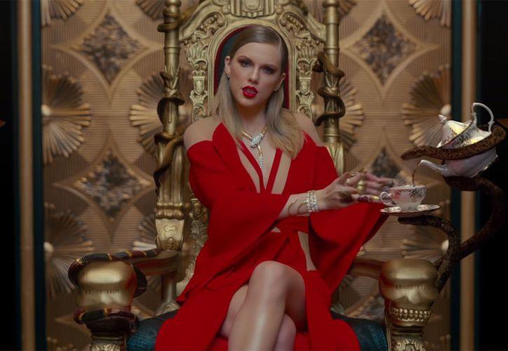Este tema también se coloca en las primeras posiciones de ventas en descarga con 353 mil en la semana del 31 de agosto. (Billboard)