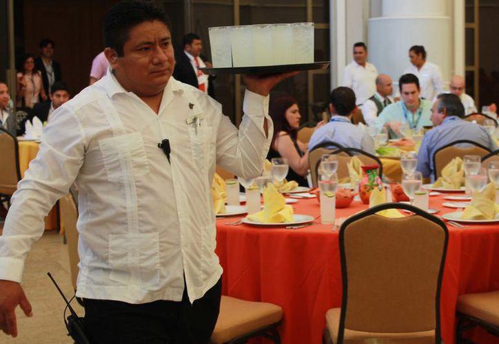 Para la Coparmex es necesario que el salario mínimo alcance hasta 194 pesos diarios. (Luis Soto/ SIPSE)