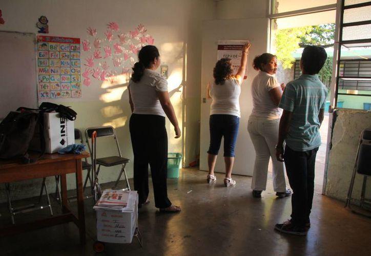En Mérida faltan por instalar 64 casillas para las elecciones de este domingo 7 de junio. La imagen corresponde a la casilla 489 contigua (SIPSE)