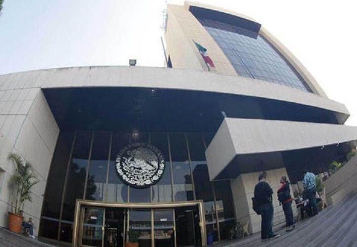 Sede de la PGR donde se investiga la emboscada contra soldados en la entrada de Huachinango, Jalisco. (Milenio)