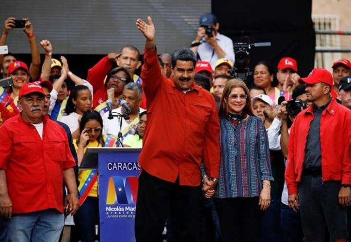 Participaron en el simulacro los simpatizantes del presidente de Venezuela, Nicolás Maduro. (excelsior.com)