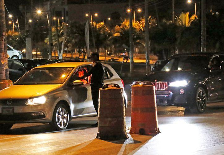 """El programa """"Conduce sin alcohol o Alcoholímetro"""" se instala en diferentes puntos de la ciudad. (Jesús Tijerina/SIPSE)"""
