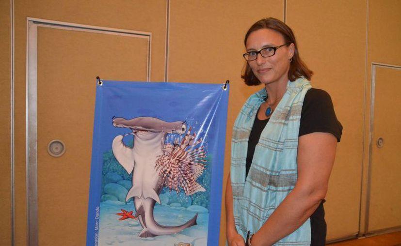 Rachel Graham dijo que es difícil buscar el equilibrio entre la pesca y el turismo. (Yenny Gaona/SIPSE)