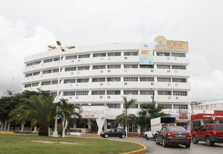 Empresarios hoteleros del centro de la ciudad periódicamente realizan caravanas promocionales. (Israel Leal/SIPSE)