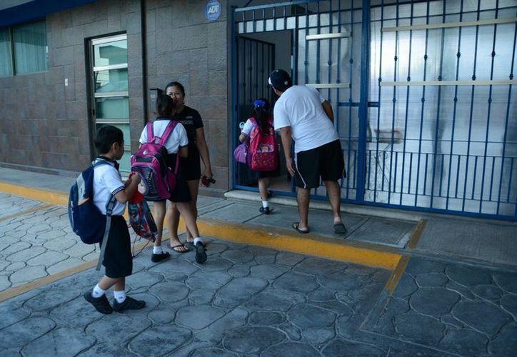 Se contó con el 90% de asistencia en todas las aulas educativas. (Victoria González/SIPSE)