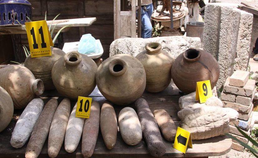 Imagen de algunas piezas arqueológicas encontradas en una casa del centro de Mérida. (Milenio Novedades)