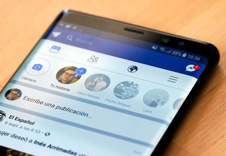 Facebook cuenta con unos 150 millones de usuarios diarios en sus historias instantáneas. (Internet)