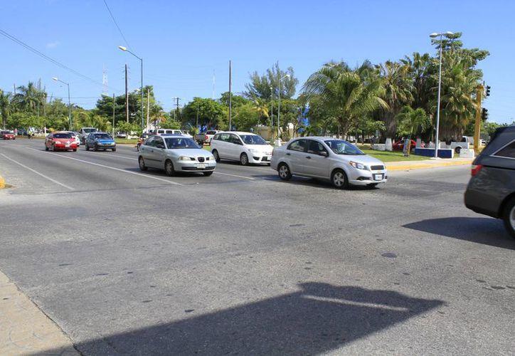 Los trabajos de pavimentación en la avenida tendrán una duración de cuatro a cinco semanas. (Tomás Álvarez/SIPSE)