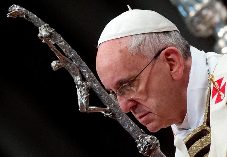 """Para el Papa Francisco, la alegría del pastor solo """"fluye cuando está en medio de su rebaño"""". (EFE)"""