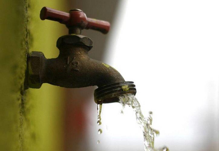 El servicio del agua potable en Chetumal se restableció ayer por la tarde. (Cortesía)