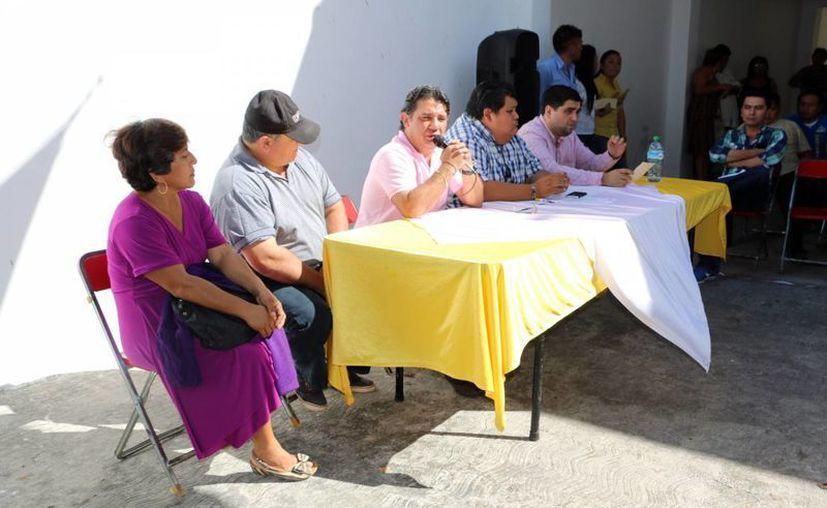Los integrantes del consejo estatal aprobaron la modificación para modificar el método electivo de los candidatos. Imagen del evento en Mérida. (Milenio Novedades)