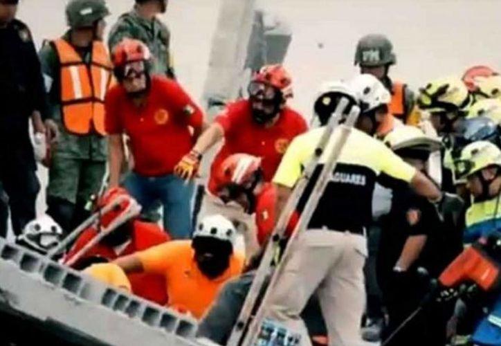 Elementos de rescate señalan que continuarán las labores hasta que se rescate a la última persona desaparecida. (Excélsior)