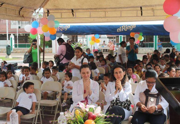 Como parte integral del programa se contempla la capacitación a maestros y trabajadores sociales. (Carlos Horta/SIPSE)