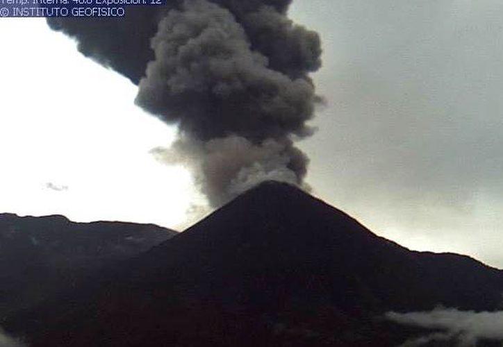 El Instituto dejó claro que se mantiene atento a las actividad en el volcán. (Twitter @IGecuador)