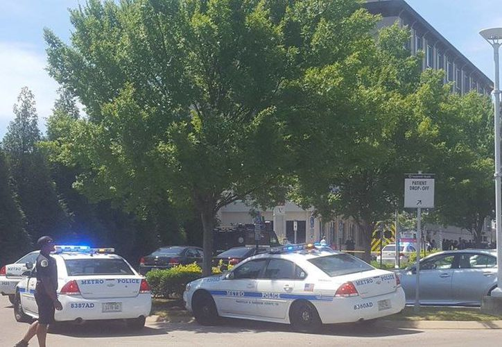 Un prisionero ha resultado muerto y un oficial ha resultado herido como resultado de un tiroteo en Nashville.  (@WSMVHayleyMason).