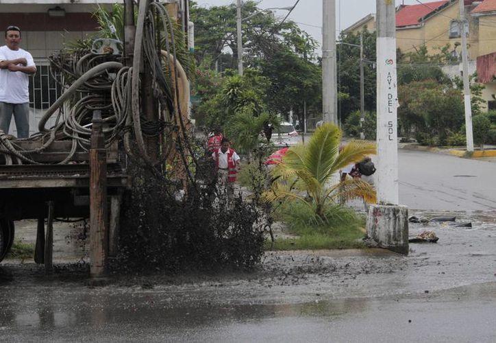 El Ayuntamiento ha realizado un promedio de 250 desazolves de pozos de forma mensual. (Tomás Álvarez/SIPSE)