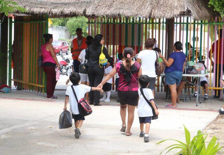 Se garantizaba la conservación del puesto de trabajo de los cinco profesores. (Adrián Barreto/ SIPSE)