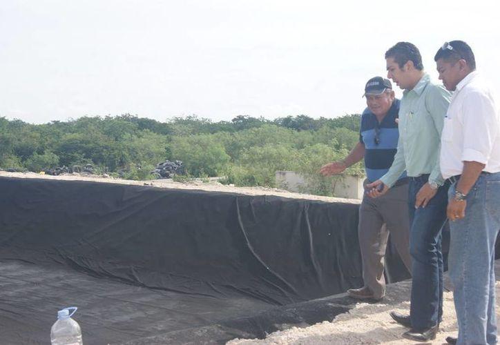 En septiembre de 2012, Zacarías Martínez inauguró la segunda celda del controvertido relleno sanitario. (Archivo SIPSE)