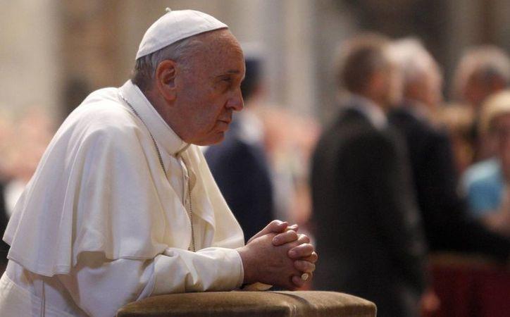 """Los corruptos """"han dado un paso más, como si estuvieran justamente consolidados en el pecado, dijo Francisco. (Agencias)"""