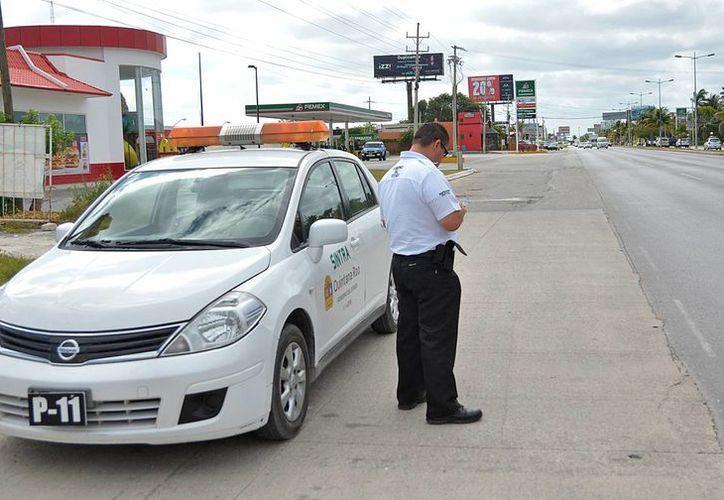 El personal de Sintra implementa vigilancia en varios puntos de la ciudad. (Jesús Tijerina/SIPSE)