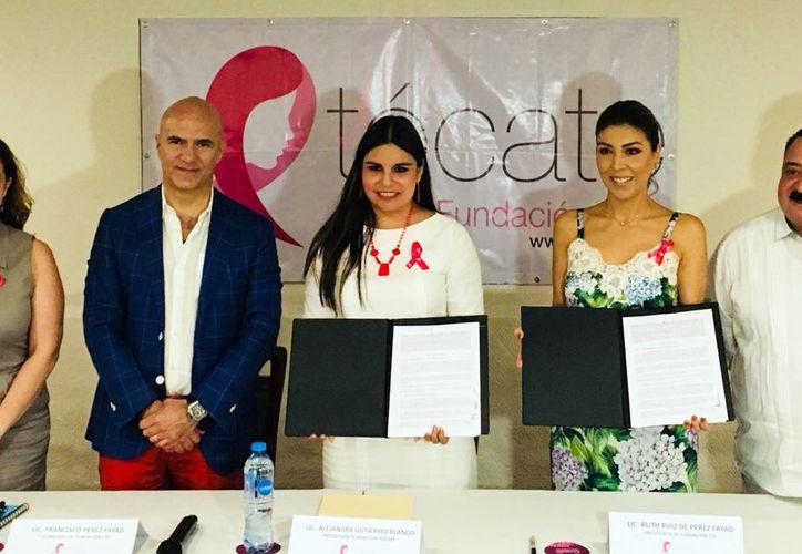 """Fundaciones """"Tócate"""" y COI firmaron convenio con el Seguro Popular para la atención de mujeres con cáncer de mama. (Milenio Novedades)"""