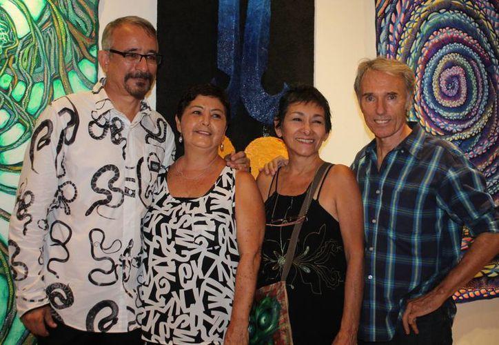 Una gran noche de café y ambiente esencialista, vivieron los amantes del arte. (Faride Cetina/SIPSE)