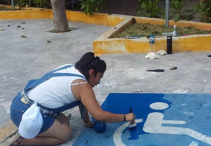 El personal lleva a cabo jornadas de mantenimiento en diferentes áreas. (Adrián Barreto/SIPSE)