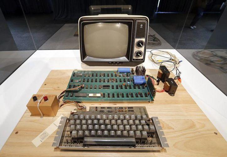 En la imagen, el primer computador original Apple, conocido como el Apple-1. (EFE)