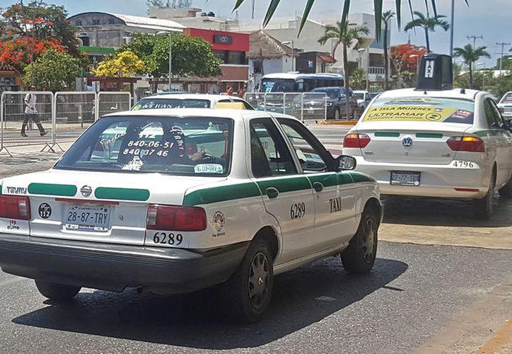 Los taxistas elegirán al nuevo líder el próximo 25 de noviembre. (Jesús Tijerina/SIPSE)