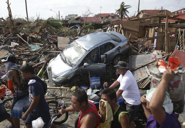 El Santo Padre quiere ofrecer su ánimo a las autoridades civiles y al personal que está asistiendo a las víctimas de esta tragedia en Filipinas. (Agencias)