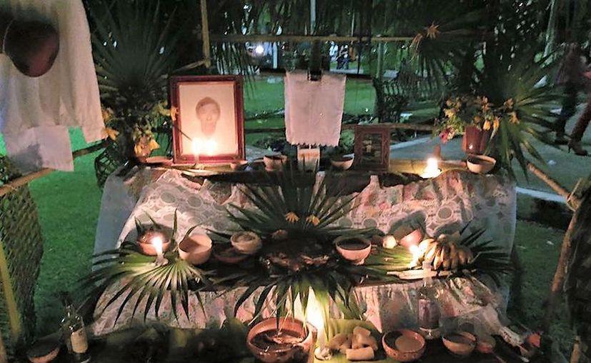 El objetivo de 'Entre la Vida y la Muerte' es que no se pierdan las tradiciones mexicanas. (Javier Ortiz/SIPSE)
