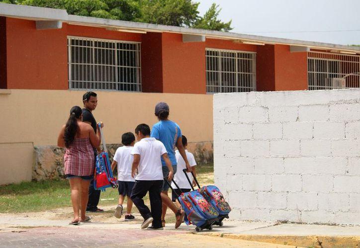 Verificarán espacios seguros para impartir clases. (Octavio Martínez /SIPSE)