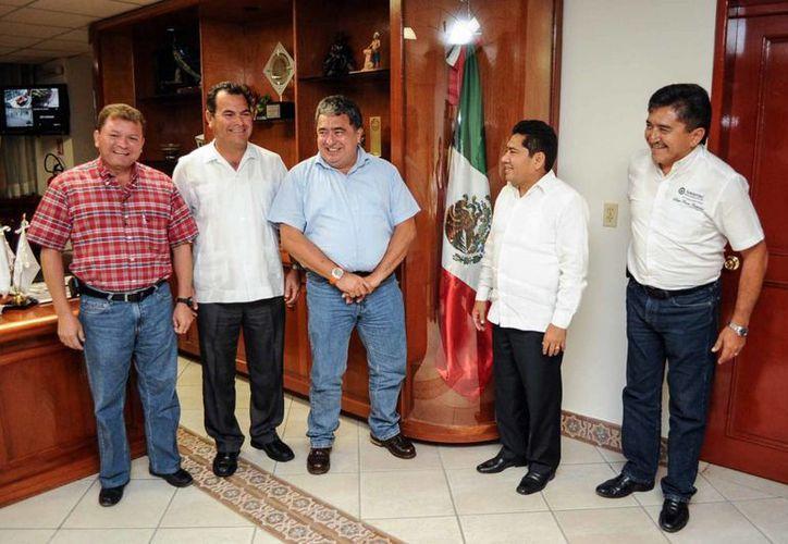 Hoy dejará también el cargo como presidente municipal de Solidaridad, Filiberto Martínez Méndez. (Cortesía/SIPSE)