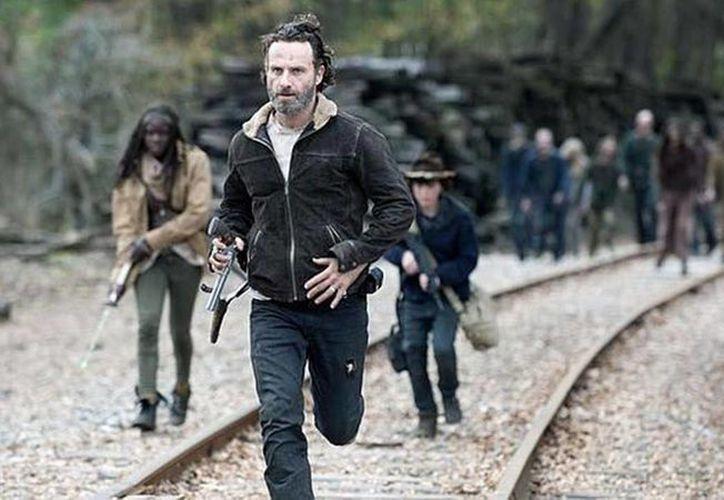 La popular serie de la cadena AMC, The Walking Dead, anunció que el primer episodio se estrenará el próximo 23 de octubre. (Archivo/Agencias)