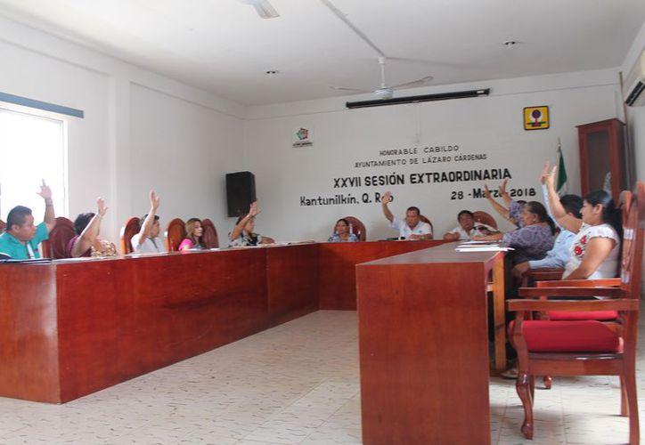 Se llevó a cabo la vigésima séptima sesión extraordinaria de Cabildo. (Raúl Balam/SIPSE)