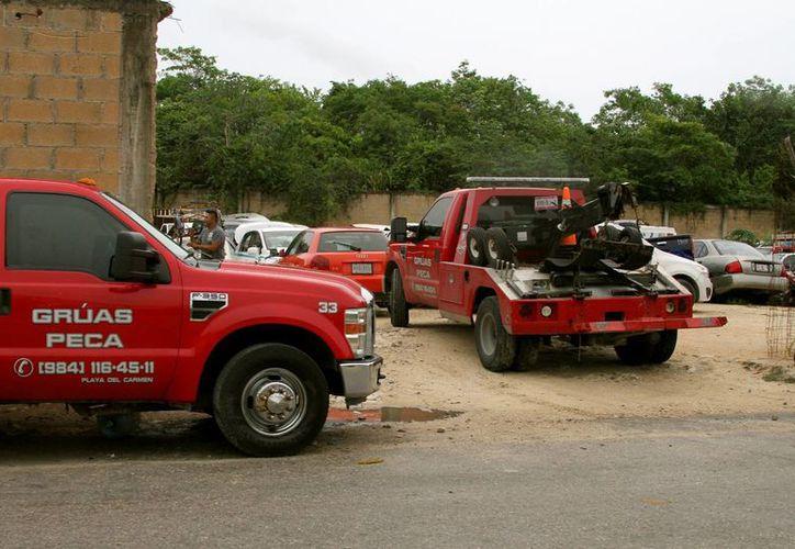 Karina Ortega, asegura que la concesionaria de grúas no le solicitó autorización para llevarse su automóvil. (Contexto/Internet)
