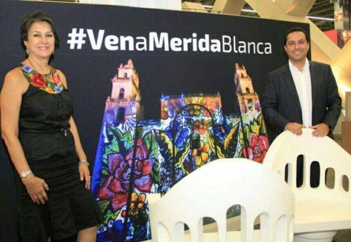 """El alcalde de Mérida, Mauricio Vila, asistió al lanzamiento del programa """"Viajemos todos por México"""", en el marco del  Tianguis Turístico de Guadalajara 2016. (Foto cortesía del Ayuntamiento de Mérida)"""