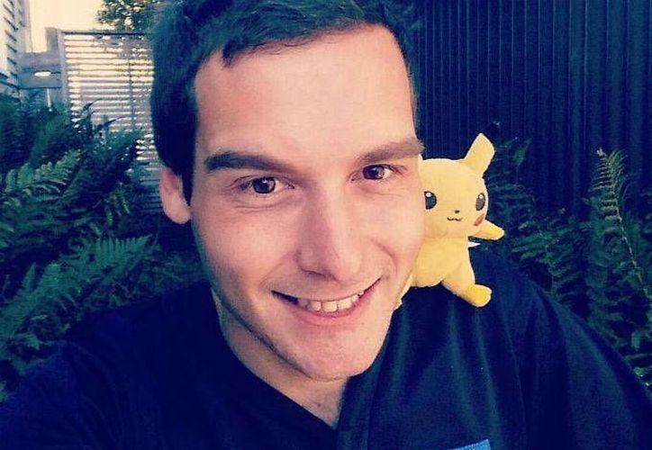 Tom Currie dejó su empleo como bartender para dedicarle más tiempo al juego. Hasta ahora ha cazado a 91 de los 151 Pokémon disponibles. (Dinero en Imagen)