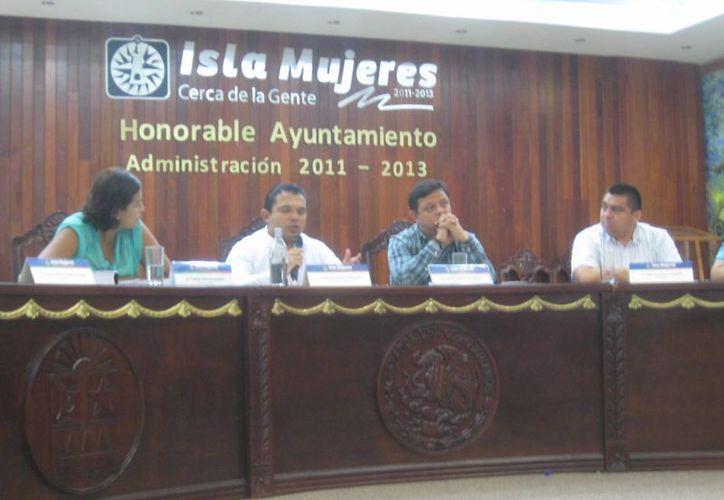 Celebraron autoridades sesión extraordinaria de Cabildo. (Lanrry Parra/SIPSE)