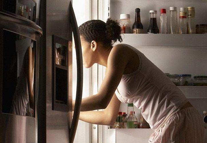 Dormir después de comer puede afectar la memoria, según un estudio científico. (Contexto/Internet)