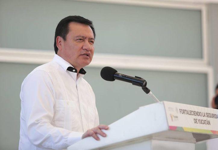 Osorio Chong defiende la reforma educativa y asegura que ésta busca que los docentes estén mejor preparados. (Archivo/Notimex)