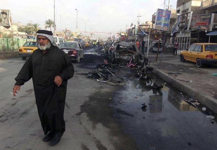 El coche bomba fue detonado por un suicida en una zona considerada territorio del Estado Islámico. (EFE)