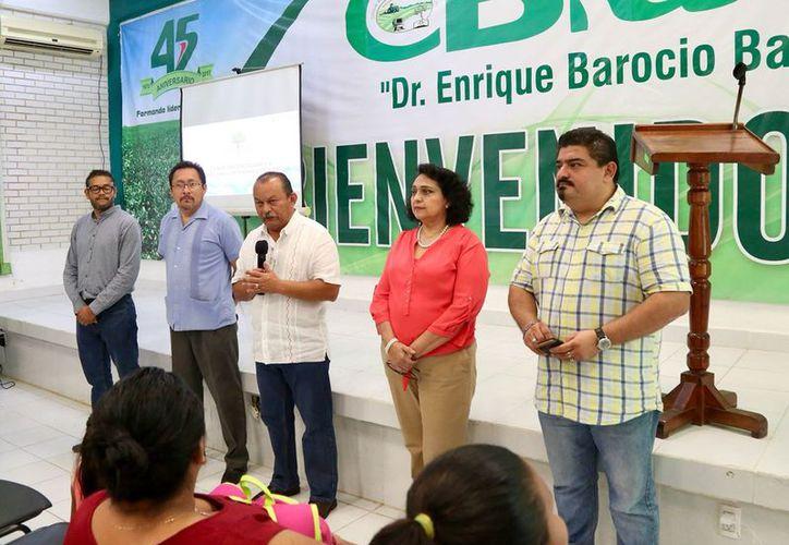 La renuncia de Rafael Pantoja (al micrófono) se formalizó hace unas horas. (Gobierno del Estado)