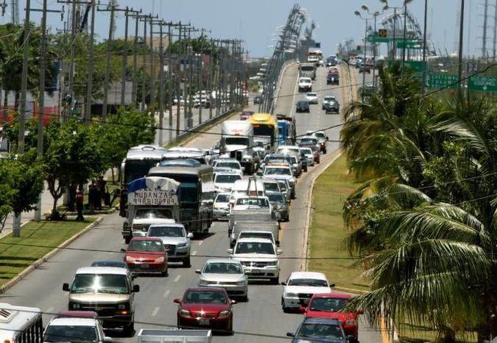 Las obras de la carretera a desnivel dieron inició el día de hoy. (Redacción/SIPSE)