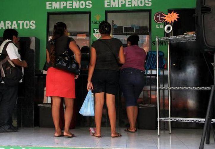Se siguen registrando empeños que nos muestran que la situación económica no ha mejorado. (Foto: Novedades Yucatán)