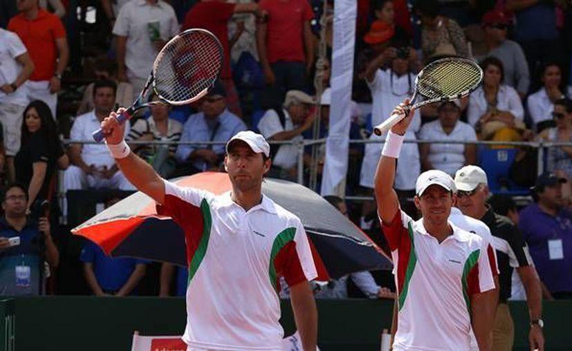 Los tenistas Santiago González (i) y Miguel Ángel Reyes Varela se integran a los 124 mexicanos que ya estaban clasificados a Juegos Olímpicos. Santiago y Miguel competirán en dobles. (relregio.com)