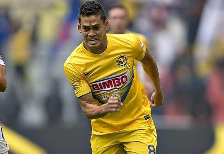 Andrés 'El Rifle' Andrade (foto) volverá a vestir los colores del América; llega proveniente de Jaguares de Chiapas, en donde estuvo a préstamo. (Archivo/AP)