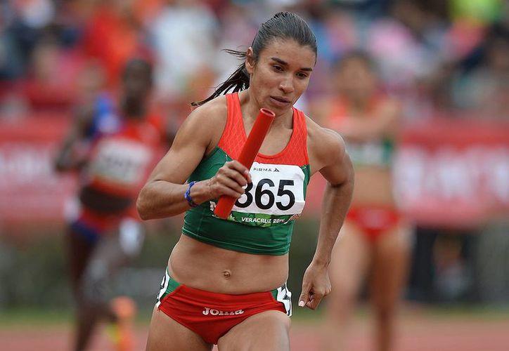 Natali Brito, Gabriela Medina (foto), Mariel Espinoza y Zudikey Rodríguez, dieron a México la presea de plata en la prueba de los 4x400 metros relevos femenil en los Juegos Centroamericanos. (conade.gob.mx)